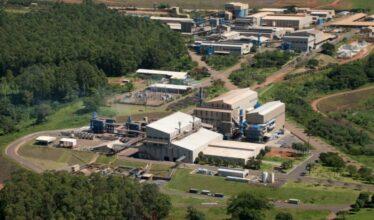 Setor de mineração será beneficiado com meta da CBMM em aumentar a produção de nióbio e investir no setor de baterias para carros elétricos