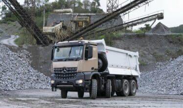 O modelo de caminhão lançado pela Mercedes-Benz vai ser produzido na ABC paulista e já conta com cerca de 200 encomendas para compra
